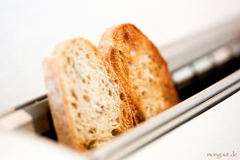 Baguette für Bruschetta toasten