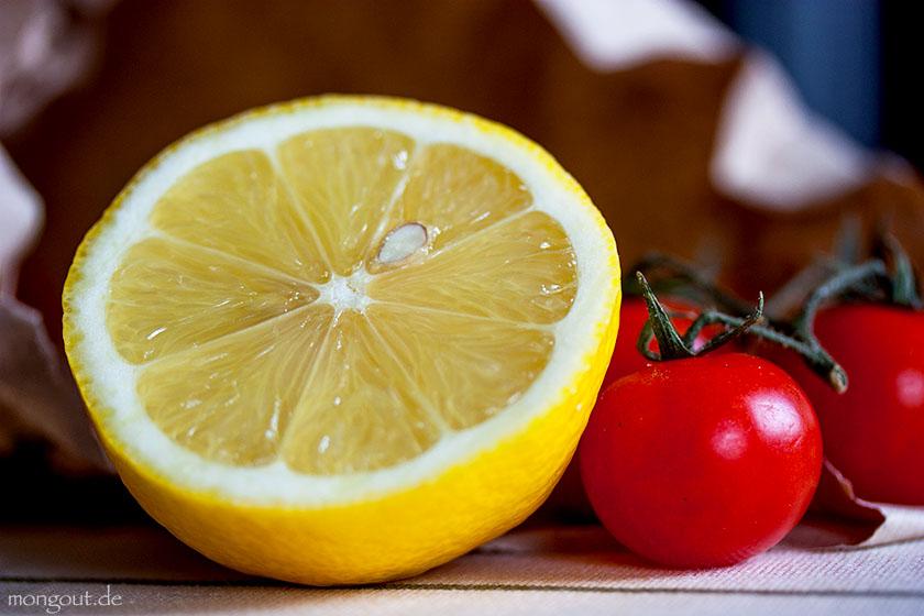 Zitrone und Kirschtomaten
